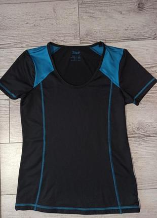 Класна спортивна футболка crivit 60грн