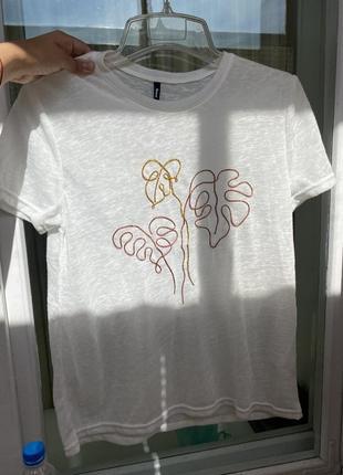 Крутая футболка с вышивкой оверсайз базовая футболка что
