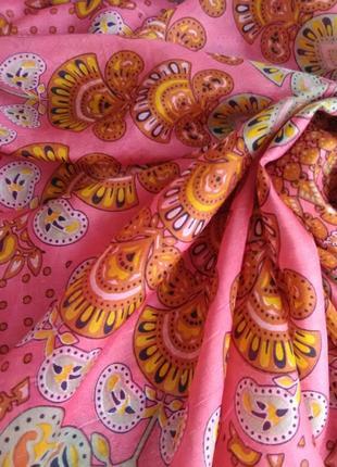 Изысканный шёлковый платок