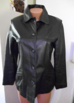 Куртка  р.10  пог-47см длина 68см  очень мягкая
