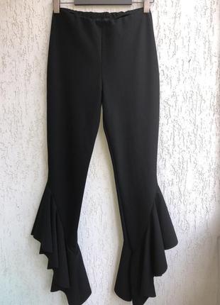 Модные брюки с воланами внизу