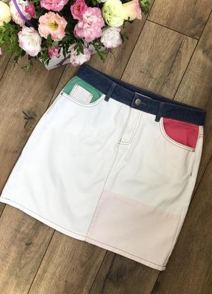 Белая джинсовая юбка пэчворк