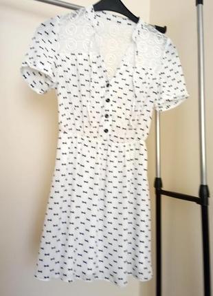 Милое платье в ретро стиле