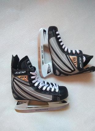 Профиссиональные хоккейные коньки ccm 01,хоккейні ковзани