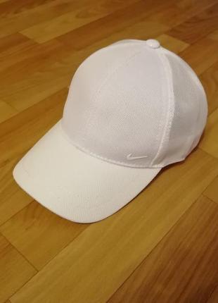 Стильная кепка бейсболка nike белая 56-58