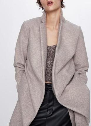 Пальто  легкое  zara