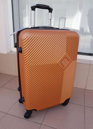 Средний чемодан fly  ,обьем 70 литров