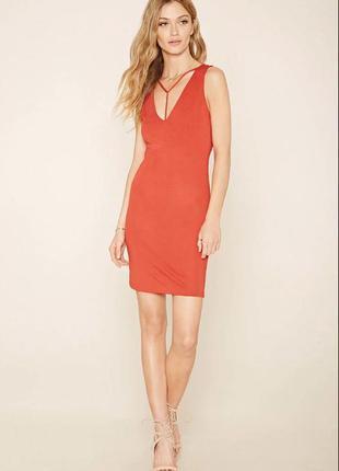 Forever 21. англия. платье с эффектной зоной декольте.