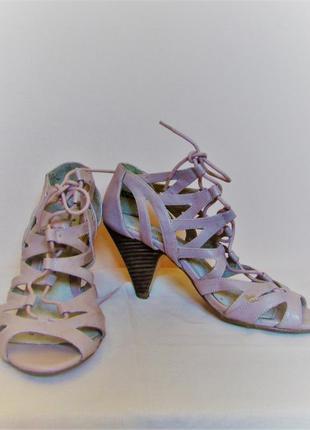"""Маисовые босоножки-гладиаторы """"dorothy perkins"""" на шнуровке, размер 37"""