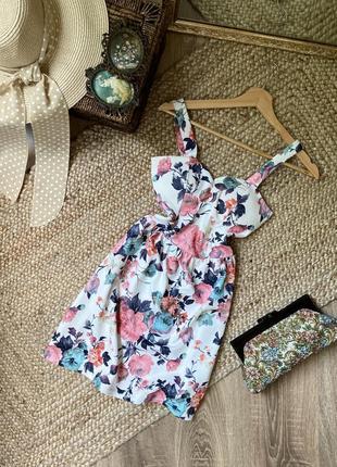 Платье в флористический принт