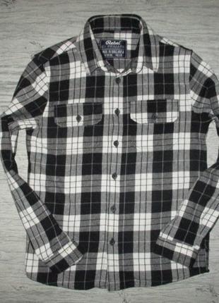 Тепленькая рубашечка на баечке фирмы ребел на 9-10 лет