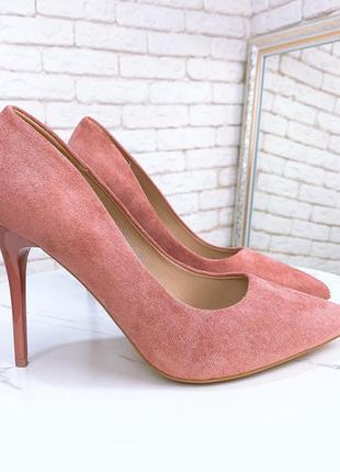 Пудрові туфли лодочки на шпильці