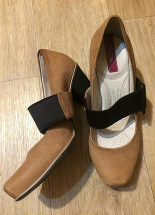 Фирменные туфли с ортопед стелькой