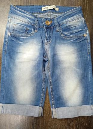 Красиві джинсові шорти