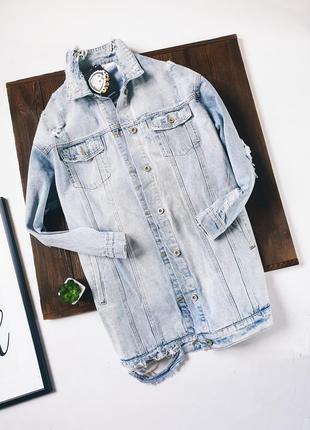 Джинсовка с принтом удлиненная джинсовая куртка рванная