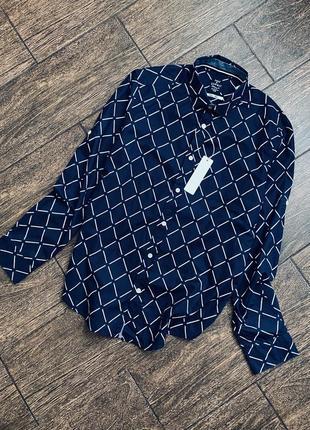 Красивая хлопковая рубашка известного бренда