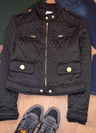 Clips more стеганная короткая куртка демисезонная на весну осень черная стильная в ромб