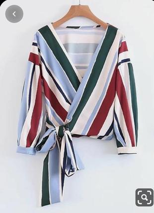 Блуза на запах с объемными рукавами