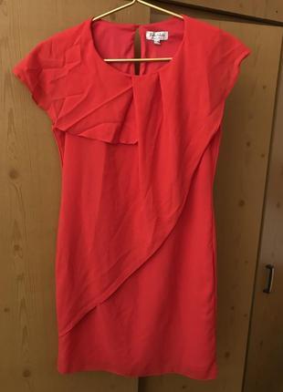 Красное платье летнее