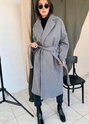 Женское серое пальто на осень 2020