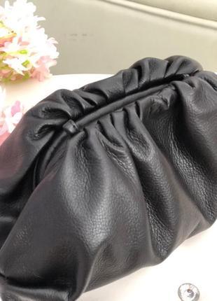 Итальянская кожаная сумка в стиле bottega veneta pouch пельмень чёрная большая новинка!