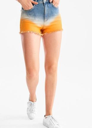 Крутые джинсовые шорты с высокой талией, оранжевым градиентным низом