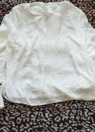 Шикарная белая молочная блуза рукав волан