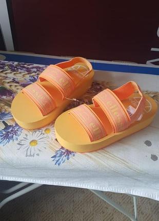 Брендовые яркие сандали ellesse оригинал новые