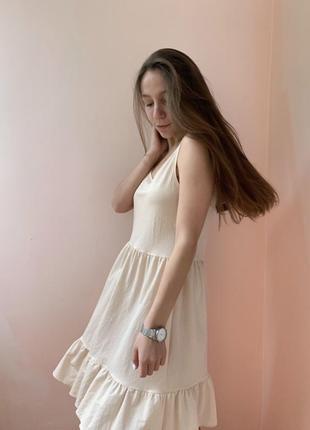 Бежева сукня та подарунок 🎁