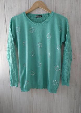 Легкий свитер бирюзового цвета