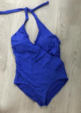 Красивейшего синего цвета купаотник