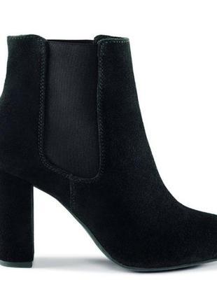 Замшевые ботинки. фирма esmara
