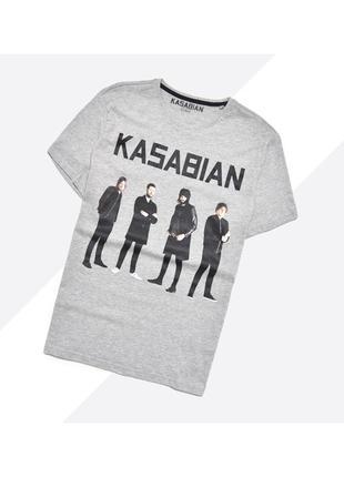 Kasabian xl / новая лёгкая светло-серая футболка мерч с принтом рок группы