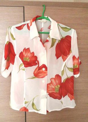 Нежная блузка с актуальным цветочным принтом квітковий принт рубашка
