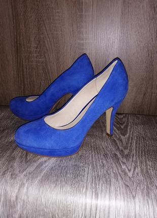 Удобные замшевые туфли