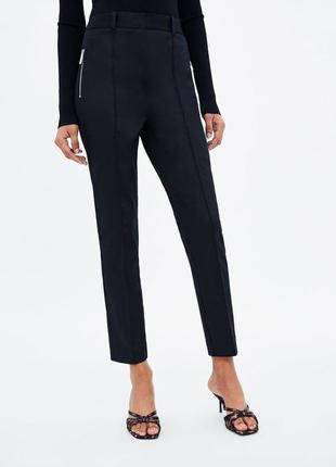 Oodji черные классические брюки базовые повседневные укороченные