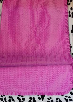 Стеганное двостороннее покрывало.(200-230) ,можно использовать,как летнее одеяло