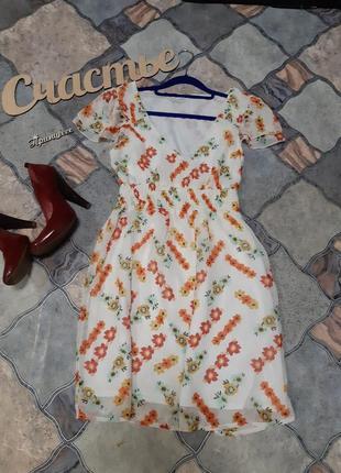 Нежное платье размер м
