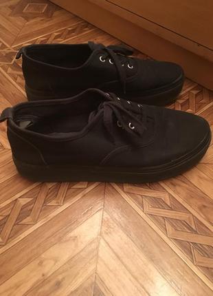 Кроссовки кеды чёрные на массивной подошве