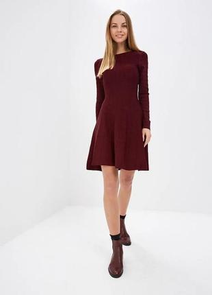 Стильное вязаное миди платье марсала springfield