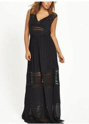 Роскошное черное длинное платье с перфорацией от rochelle humes