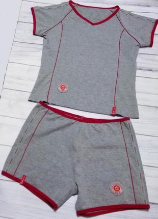 Спортивний костюм six