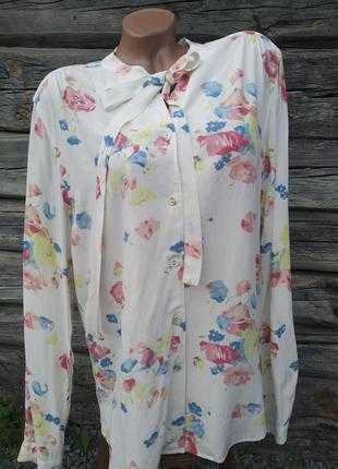 Рубашка в цветы с бантом