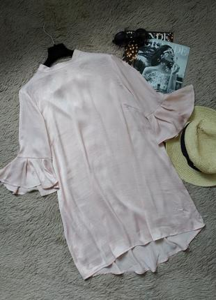 Шикарное пудровое платье с воланами на рукавах и бантом на спине/сарафан