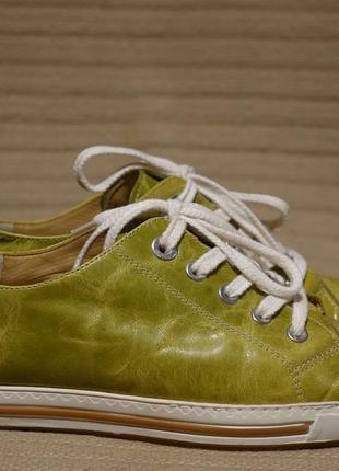 Чудесные кожаные сникерсы меланжевого салатового цвета paul green австрия 37 р.