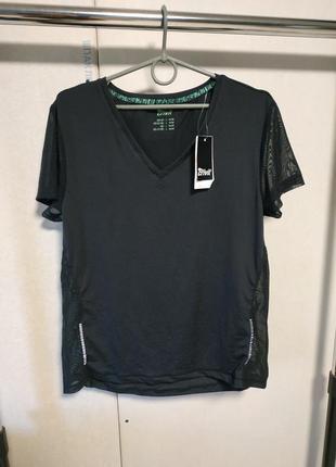 Спортивная футболка размеры xs 6-8 и l 18-20