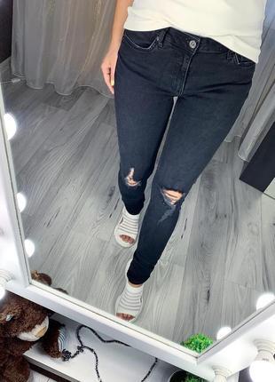 Стильные джинсы бренда topman