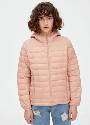 Розовая куртка pull&bear
