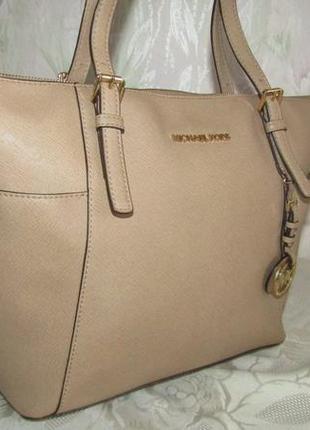 -michael kors- вместительная сумка 100% кожа сафьяно- номер