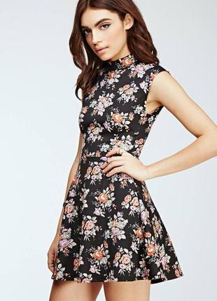 Платье чёрное в цветочный принт эластичное forever 21